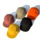 czapki z daszkiem w różnych kolorach
