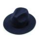 granatowy kapelusz fedora